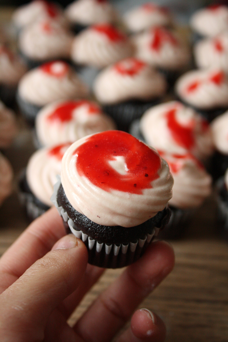 ... Mini Choc Cupcakes with Strawberry Cream Cheese Frosting   Kwanster